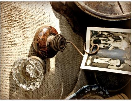 Rustique Art's Door Know Photo Holder