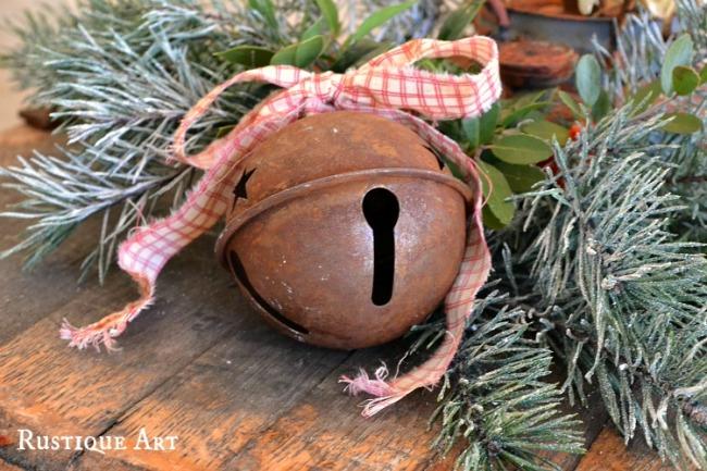 2012 Christmas Centerpeice Rusty Bell