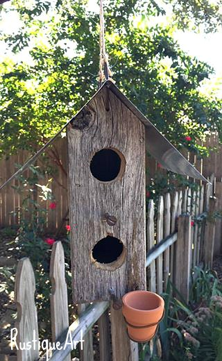 birdie-house-with-feed-pot2